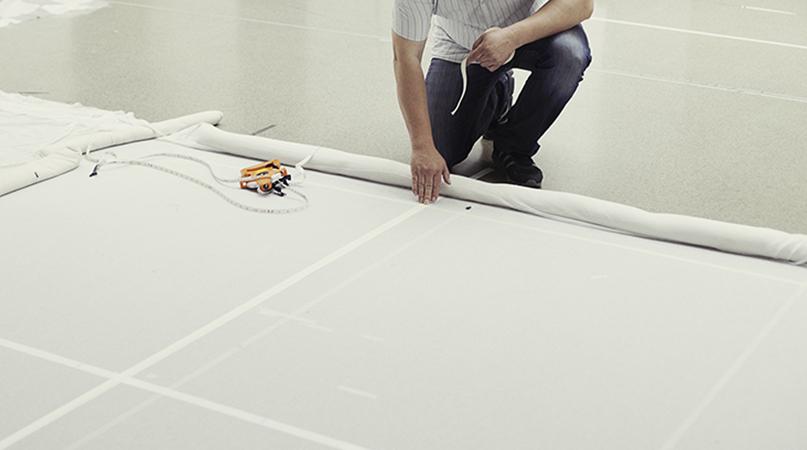 Gittertüll bis 1.180 cm breit, sprinklertauglich, fadengerade verarbeitet – echtes Handwerk, Made in Germany